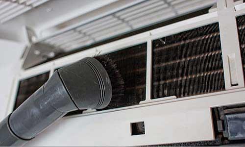 Aspirando - Como limpar o seu Ar Condicionado Split - WebContinental