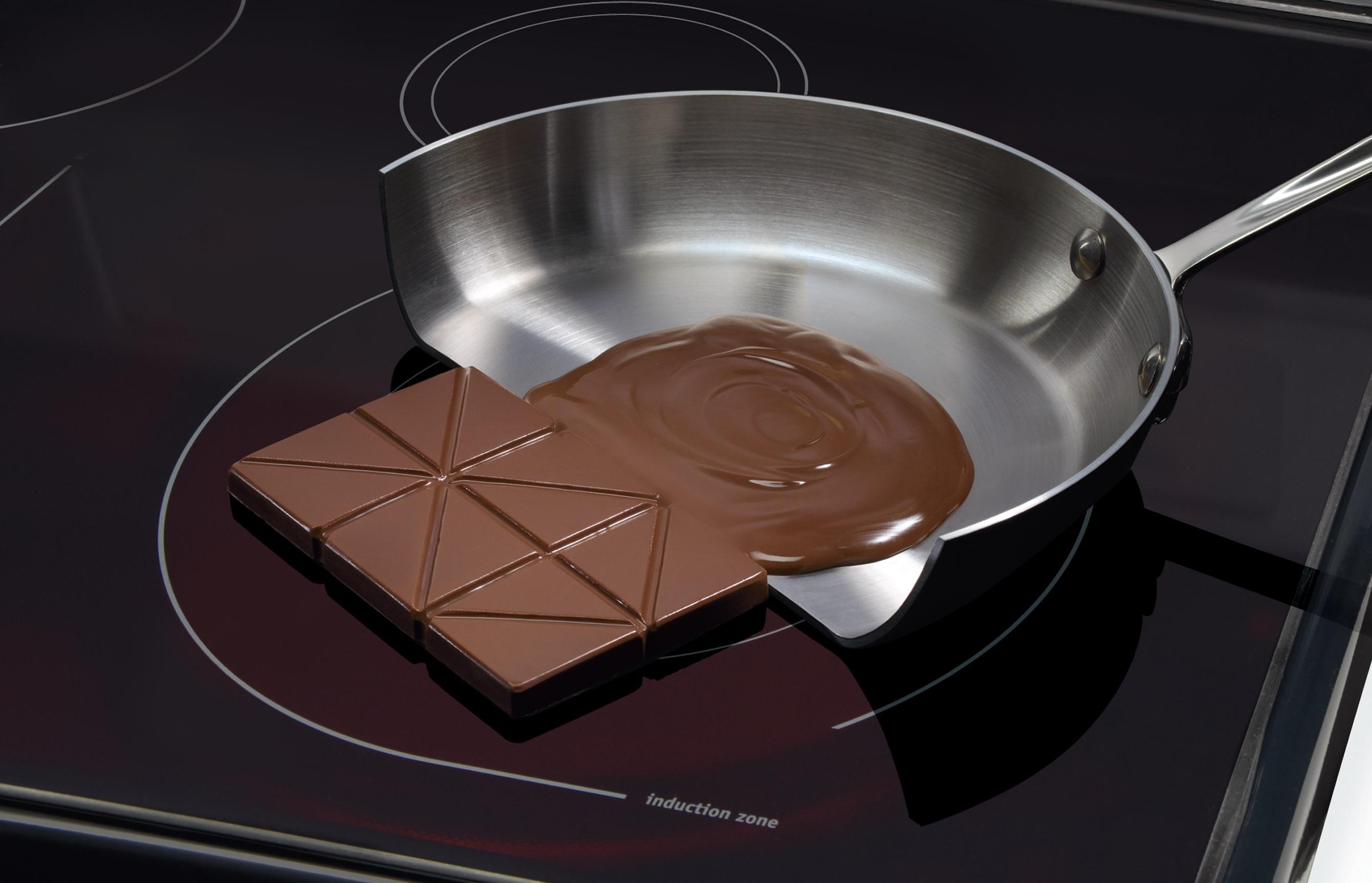 cooktop por indução derretendo chocolate