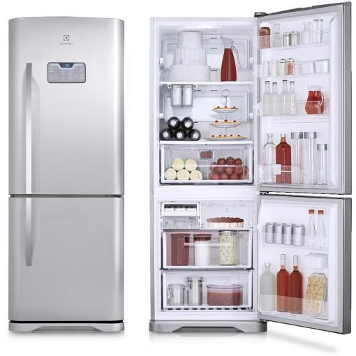 geladeira inverse aberta e fechada