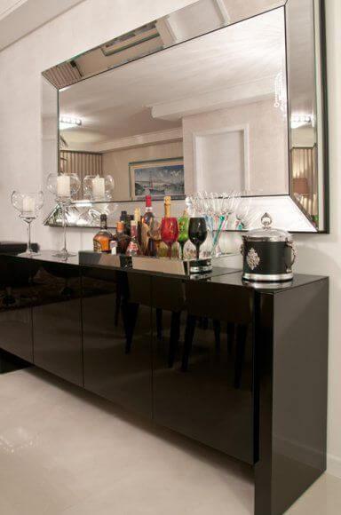 barzinho em casa com espelho