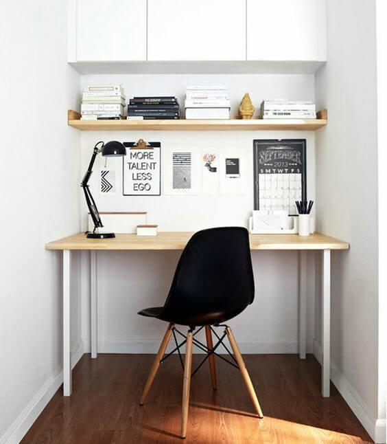 Mesa de trabalho organizada