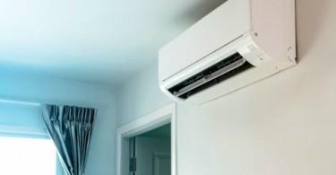 Ar condicionado em parede de casa