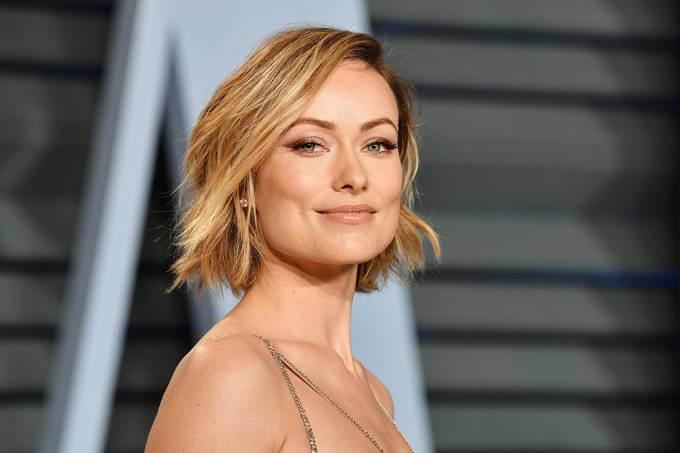 Foto de atriz com formato de rosto quadrado