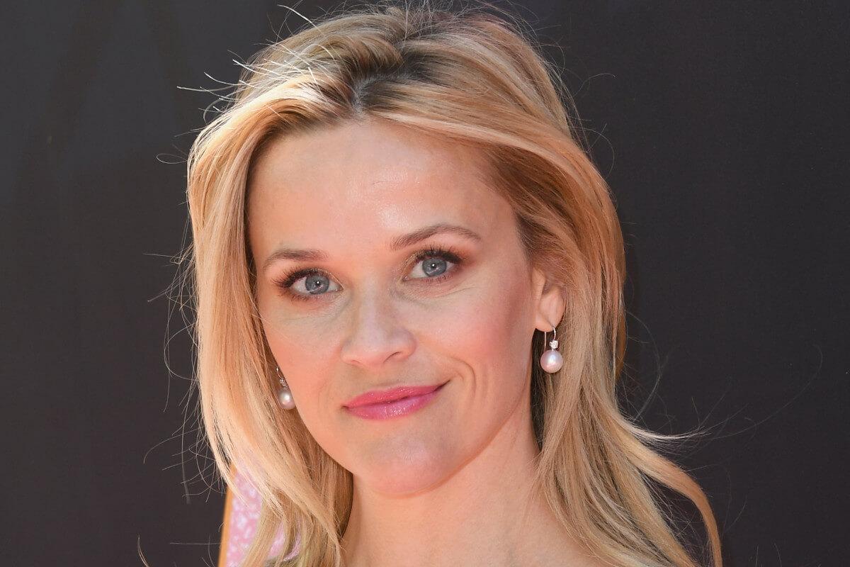 Foto de atriz com formato de rosto em triângulo invertido