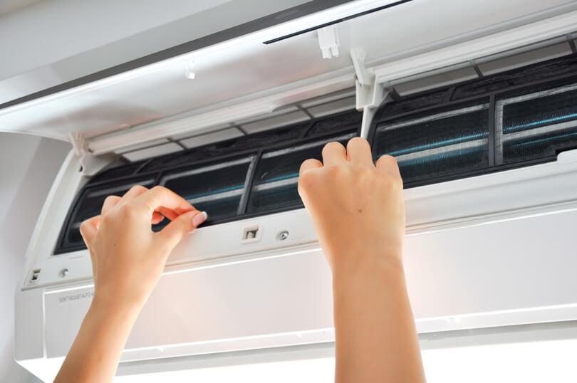 Limpeza e manutenção de ar-condicionado